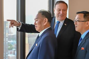 Trùm tình báo Triều Tiên gặp Pompeo: Ăn tối kiểu Mỹ, đàm phán tiến tới