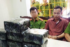 Nghệ An: Công an bắn chỉ thiên bắt đối tượng mua bán 10 kg ma túy đá