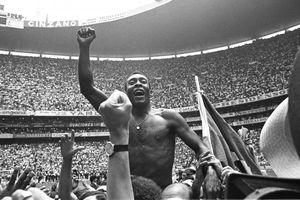 'Vua bóng đá' Pele và kỳ tích 3 lần vô địch World Cup