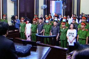 Cảnh sát ôm tiểu liên bảo vệ phiên tòa xử phúc thẩm vụ khủng số sân bay Tân Sơn Nhất