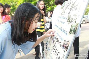 Nữ sinh trường Phan đốn tim dân cư mạng với bản cover 'Mình cùng nhau đóng băng'