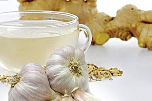 Nên ăn thực phẩm gì để giảm khó chịu khi bị đầy bụng?