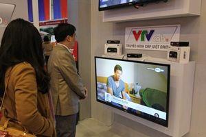 Vụ VTVcab tự ý xóa bỏ hàng loạt kênh truyền hình: Nhiều người nổi tiếng phản đối