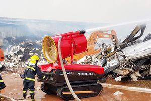 Lực lượng cứu hỏa Trung Quốc đưa robot sang Việt Nam chữa cháy tại khu công nghiệp