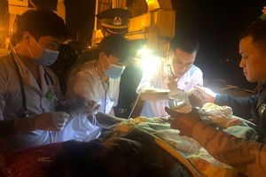 19 ngư dân Nghệ An bị nạn được đưa vào bờ an toàn