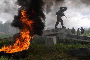 Thán phục màn vượt chướng ngại vật của lính trinh sát Nga