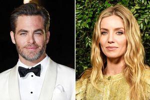 Nam tài tử Chris Pine hẹn hò với nữ diễn viên phim 'The Mummy'
