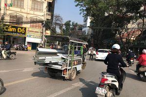 Gần ngày 'khai tử', 'xe tử thần' vẫn đại náo đường phố Thủ đô