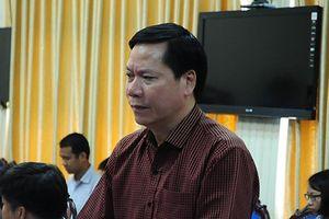 Nguyên Giám đốc BVĐK tỉnh Hòa Bình Trương Quý Dương về nước