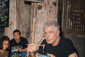 Hình ảnh Việt Nam đẹp long lanh trong 'Những góc khuất' của Anthony Bourdain