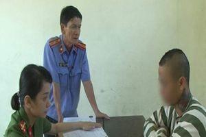 Bắt tạm giam nam thanh niên 'giao cấu tự nguyện' với thiếu nữ 14 tuổi