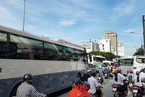 Đội xe du lịch 'khủng' đại náo đường phố Đà Nẵng