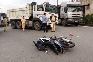 Tin tức tai nạn giao thông nóng nhất 24h: Xe tải lao thẳng vào nhà, cụ bà 80 tuổi nguy kịch