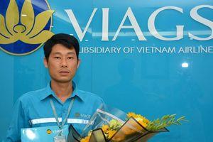 Bộ trưởng khen nhân viên trả lại hơn 1 tỷ đồng cho khách