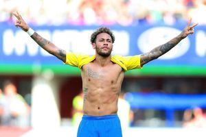 Brazil thắng 3-0, Neymar áp sát thành tích của Ro 'béo'