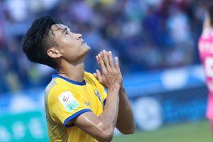 Vũ Minh Tuấn ghi bàn đầu tiên cho Thanh Hóa sau 10 trận tịt ngòi