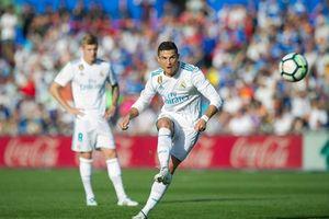Bóng Telstar 18 được làm ra để ngăn những cú sút phạt của Ronaldo