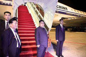 Những hình ảnh cuối cùng của ông Kim Jong-un tại Singapore trước khi về nước