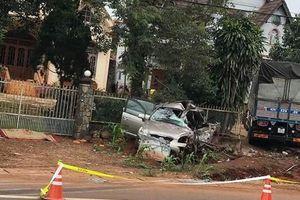Tai nạn giữa xe tải và ô tô con, 5 người thương vong