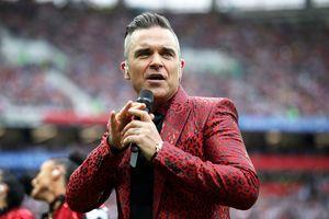 Nhà đài xin lỗi vì màn 'ngón tay thối' của Robbie Williams