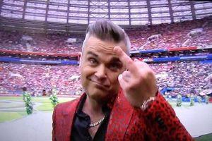 Ca sĩ hát khai mạc World Cup gây tranh cãi vì giơ 'ngón tay thối'
