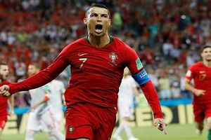 Lập hat-trick, Cristiano Ronaldo được ca ngợi là 'thiên tài, huyền thoại'