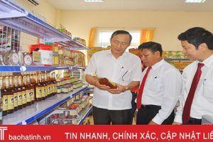 Khai trương Phòng trưng bày, giới thiệu sản phẩm HTX Hà Tĩnh
