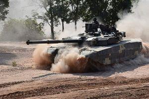 Lính tăng Ukraine tố T-84 Oplot vô dụng