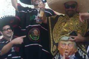 Cổ động viên Mexico chế giễu Tổng thống Mỹ ngay giữa thủ đô Moscow