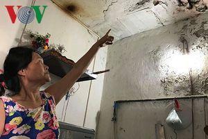 Nơm nớp sống trong chung cư 'già nua' ngay TP Vinh