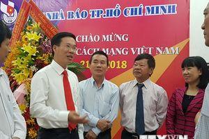 Trưởng ban Tuyên giáo TW thăm, chúc mừng Hội Nhà báo TP.HCM
