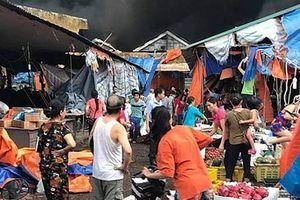 Hơn 1.000m2 chợ Sóc Sơn bị thiêu rụi lúc rạng sáng
