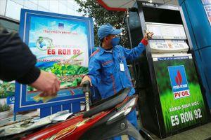 BẢN TIN TÀI CHÍNH-KINH DOANH: Giá xăng dầu hạ nhiệt chờ ngày giảm sâu, Thủ tướng duyệt phương án cổ phần hóa Vinalines