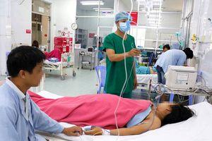 Cứu thai nhi bị dây rốn thắt nút, quấn cổ khi chưa chuyển dạ
