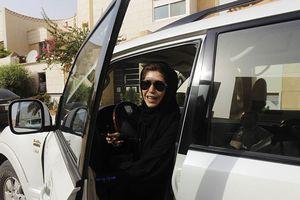 Phụ nữ Ả Rập Xê Út vui mừng khi được phép lái xe ô tô