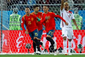Hai lần bị dẫn trước, Tây Ban Nha nhờ VAR để gỡ hòa phút cuối