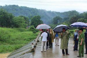 Quảng Ninh: Đi qua ngầm tràn, một cán bộ công an bị lũ cuốn tử vong