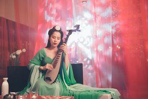 Nam Em hóa Võ Tắc Thiên, viết nhạc tình yêu dành cho Trường Giang