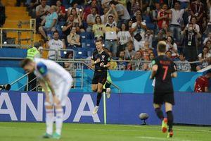 Croatia toàn thắng, cứu Argentina khỏi cảnh 'đêm dài lắm mộng'