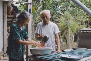 Tình yêu đẹp của vợ chồng lấy nhau 60 năm chưa một lần to tiếng