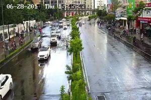 Siêu máy bơm giải cứu rốn ngập ở Sài Gòn sau khi hết mưa 10 phút