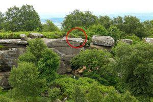 Phiến đá hàng trăm triệu năm bị phá hủy trong tích tắc vì sự vô ý thức của con người