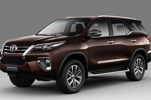 Bảng giá ô tô Toyota tháng 7/2018: Fortuner, Hilux ngược dòng tăng gần 50 triệu đồng, Hiace giảm hơn 200 triệu đồng