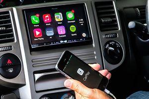 Người lái có thể mất tập trung khi lái xe vì sử dụng tính năng này trên ô tô