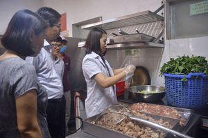 Hà Nội quyết tâm 'dẹp' thực phẩm 'bẩn'