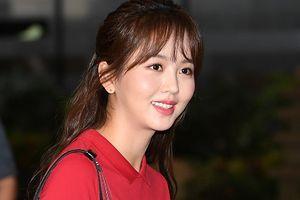 Bị chỉ trích tăng cân, Kim So Hyun xuất hiện trở lại xinh đẹp rạng rỡ