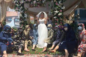 Đám cưới chất nhất năm: Binh đoàn 'Ninja Lead' đóng 'full' giáp đến chung vui cùng cô dâu