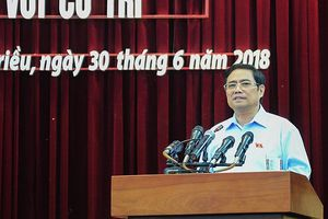 Trưởng Ban Tổ chức TƯ Phạm Minh Chính tiếp xúc cử tri Quảng Ninh