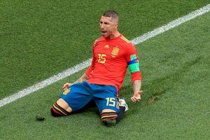 Ferdinand cười mỉa mai Ramos ăn mừng bàn thắng phản lưới nhà