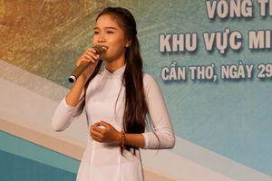 Hơn 100 thí sinh thi Chuông vàng vọng cổ 2018